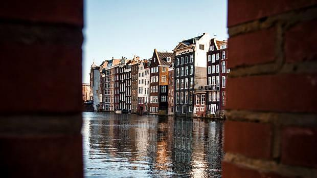 Best areas to stay in Amsterdam - Top Quarters and Hotels