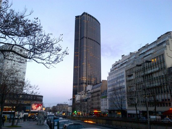 Best area to stay in Paris - Montparnasse