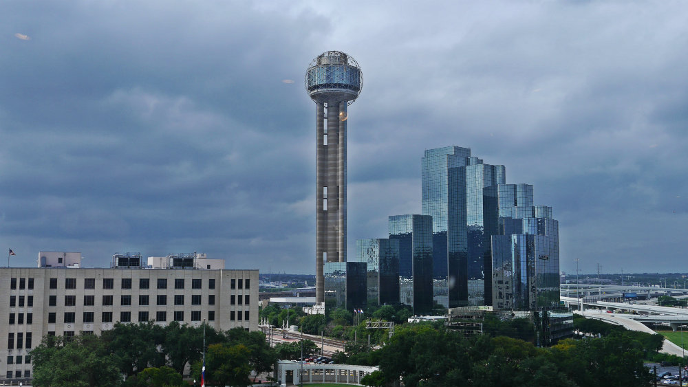 Reunion Tower de Dallas y el Hyatt Regency Hotel
