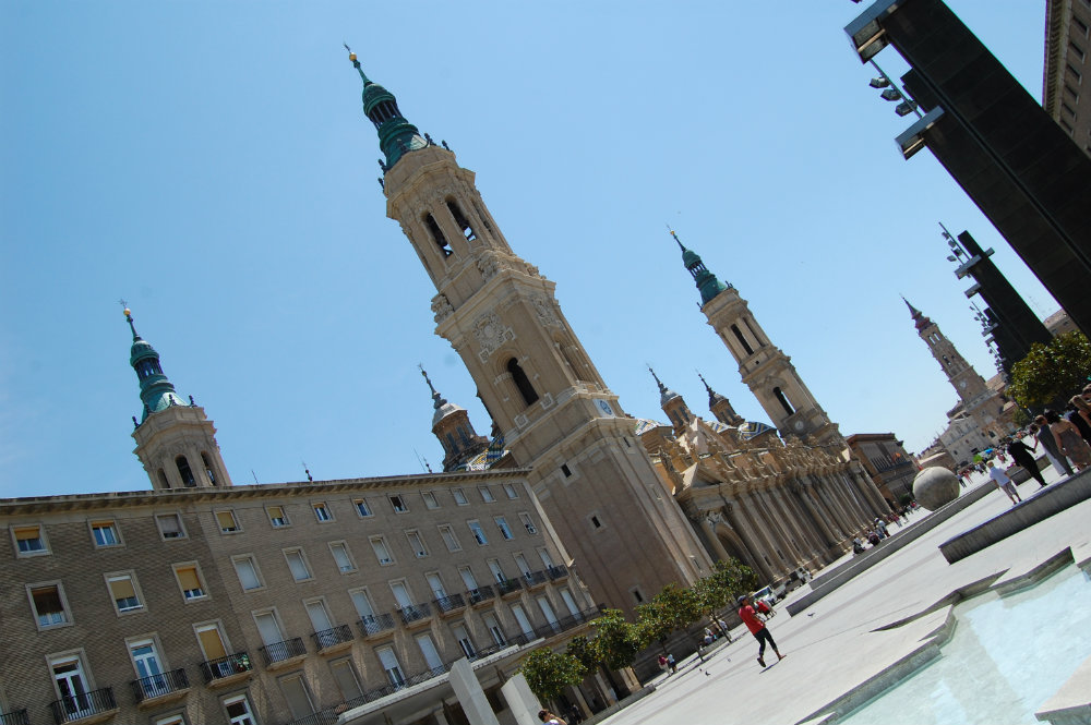 Where to stay in zaragoza best areas and hotels for Dormir en zaragoza centro