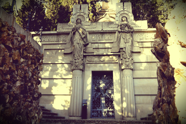 Batlló Mausoleum