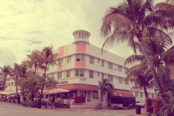 art-deco-district-miami-beach-5-560x372