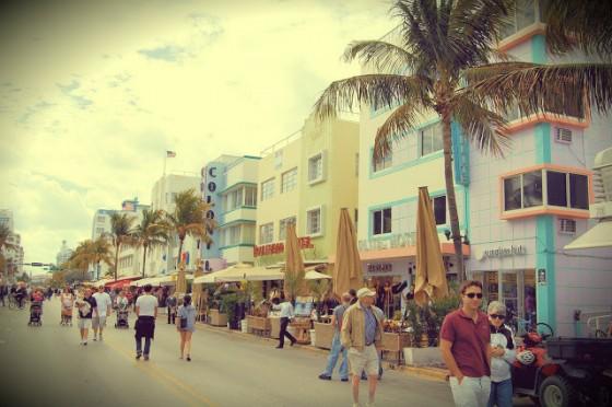 art-deco-district-miami-beach-6-560x372