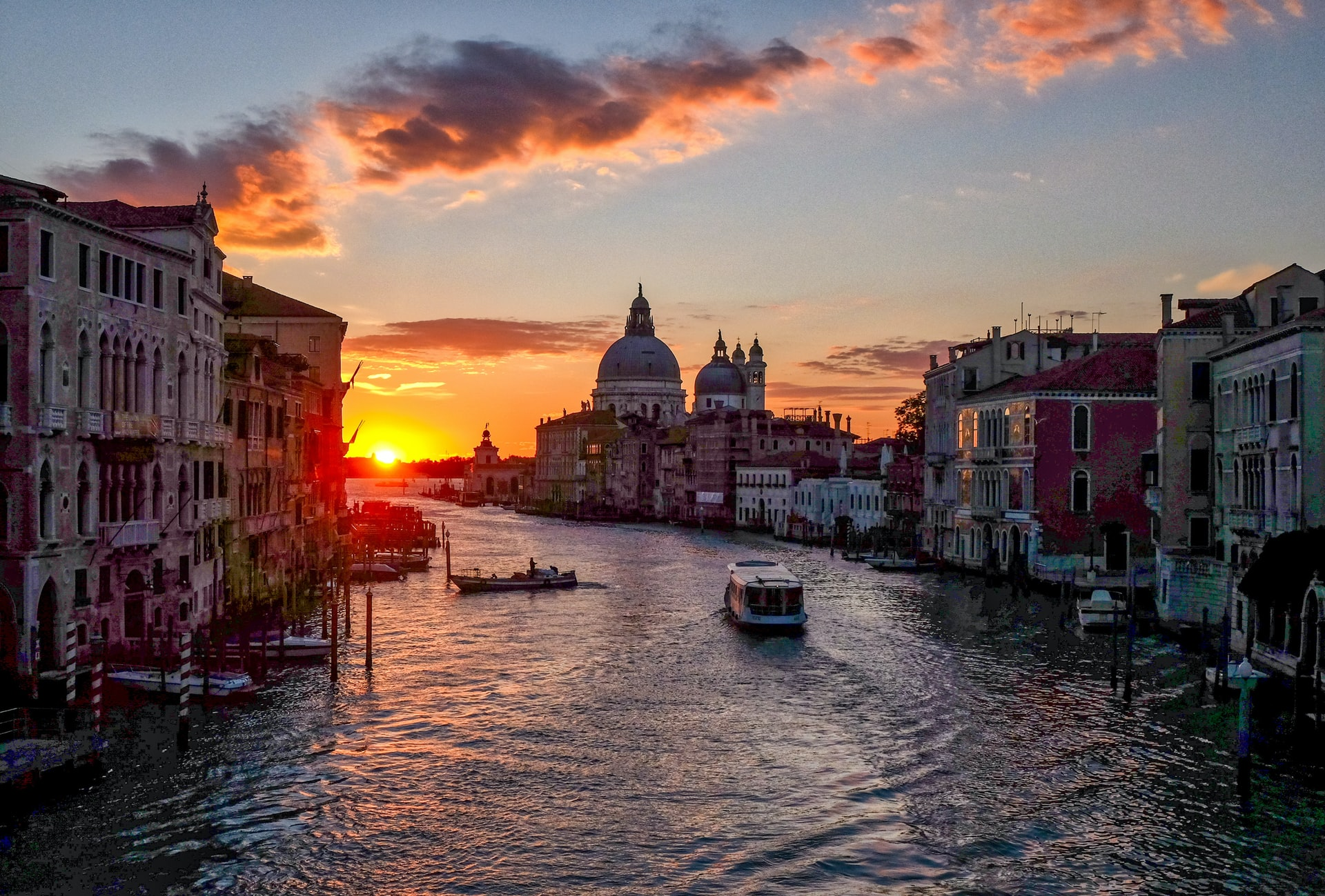 Best Areas to Stay in Venice