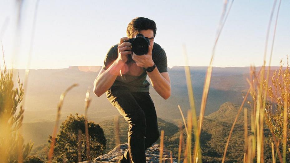 11 artículos de fotografía que no pueden faltar en tu próxima aventura