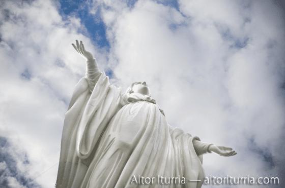 Estatua de la Virgen María que corona el Cerro de San Cristobal. Es el segundo punto natural más alto de la ciudad. A.I.