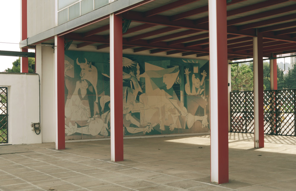 Ubicación del Guernica en el Pabellón de la República (Réplica de Barcelona)