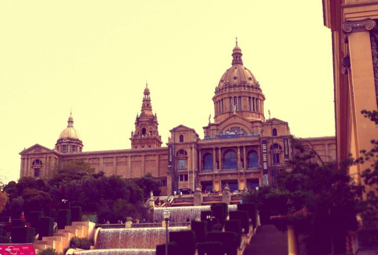 Mejores zonas para dormir en Barcelona: Sants Montjuic - MNAC Barcelona