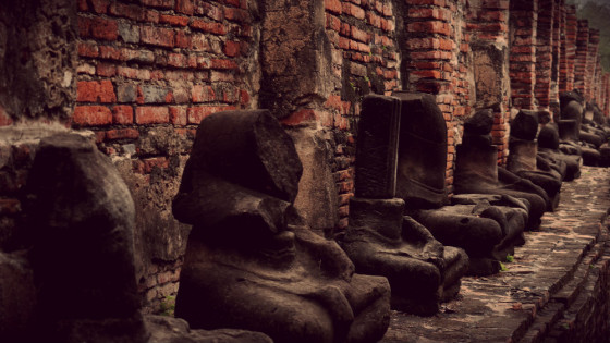 Peristilo de Budas destruidos en Ayutthaya