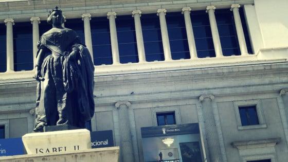 Estatua de Isabel II