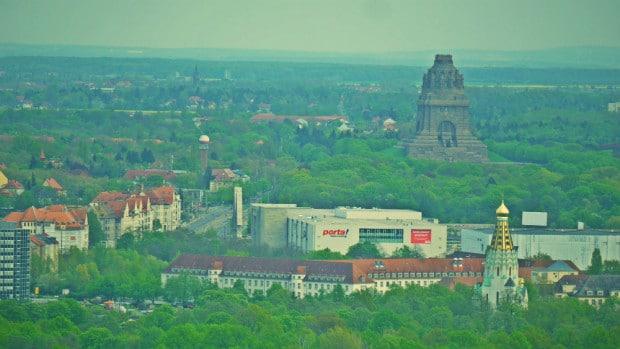 Iglesia Rusa y Monumento a la batalla de las naciones desde la Panorama Tower