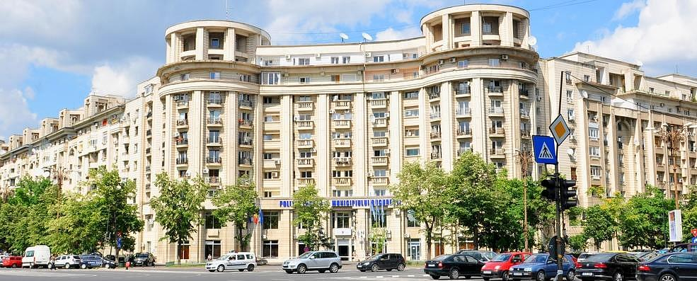 Best areas to stay in Bucharest - Piata Uniri