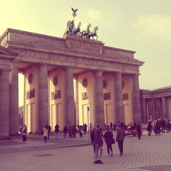 dormir cerca de la puerta de brandeburgo en berlin