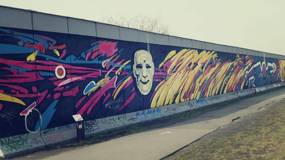 Fragmento del Muro de Berlín en la East Side Gallery