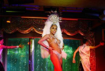 Castro - Espectáculo de drag-queens y ladyboys en Pattaya