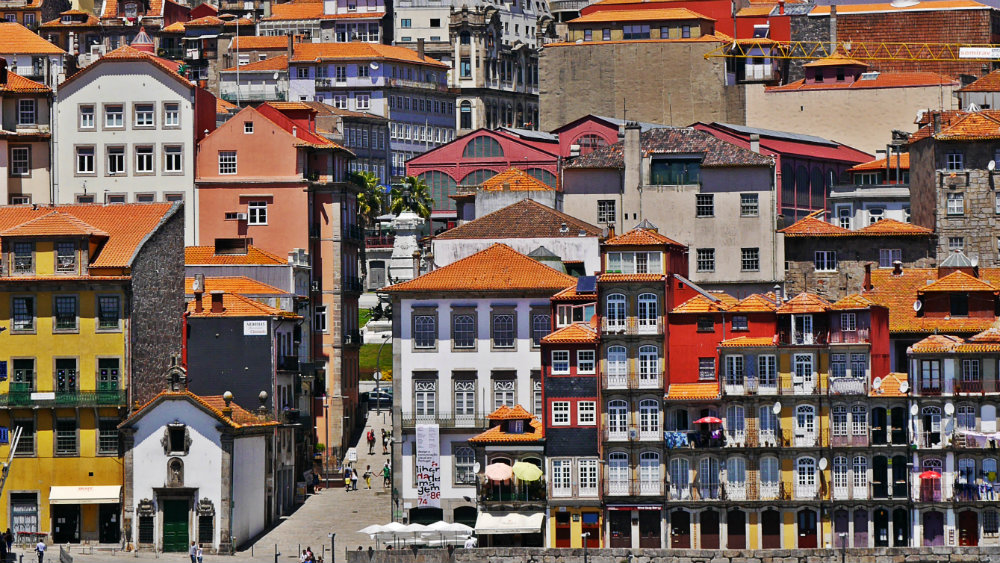 Best area to stay in Porto - Ribeira and Sao Nicolau