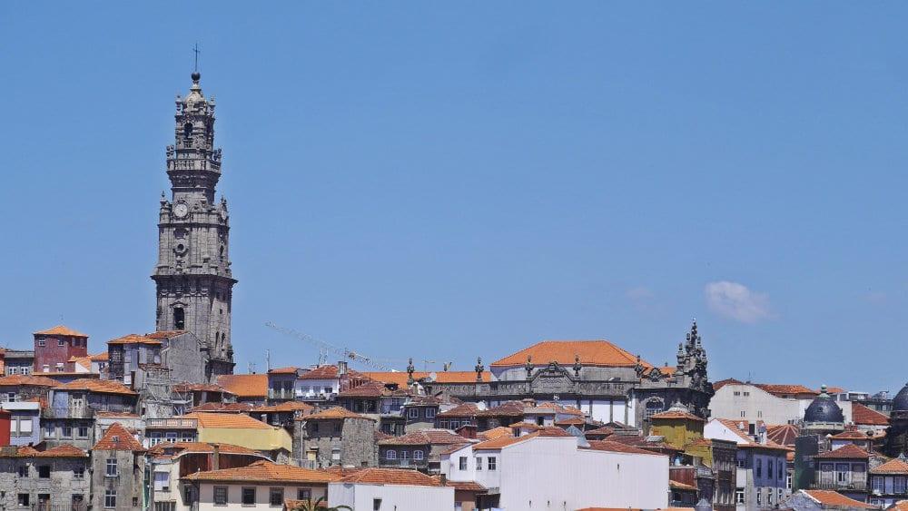 Porto Accommodation - Vitória and Torre dos Clérigos