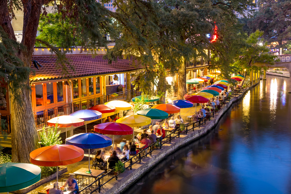 Can both San Antonio Riverwalk Essay realm