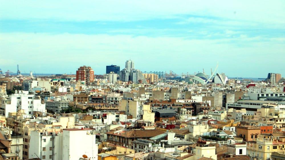 D nde dormir en valencia mejores zonas y hoteles for Dormir en barcelona centro barato