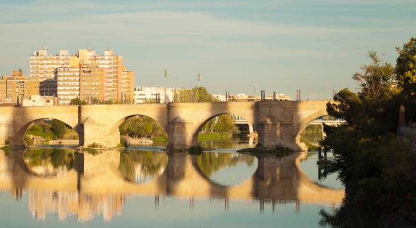 Best neighbourhoods to stay in Zaragoza - Arrabal