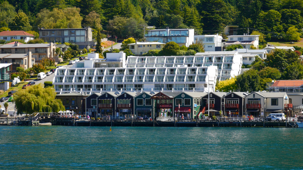 Best suburbs to stay in Queenstown, New Zealand - Fern Hill