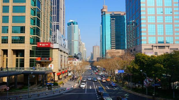 Huaihai Road - Recommended area to stay in Shanghai