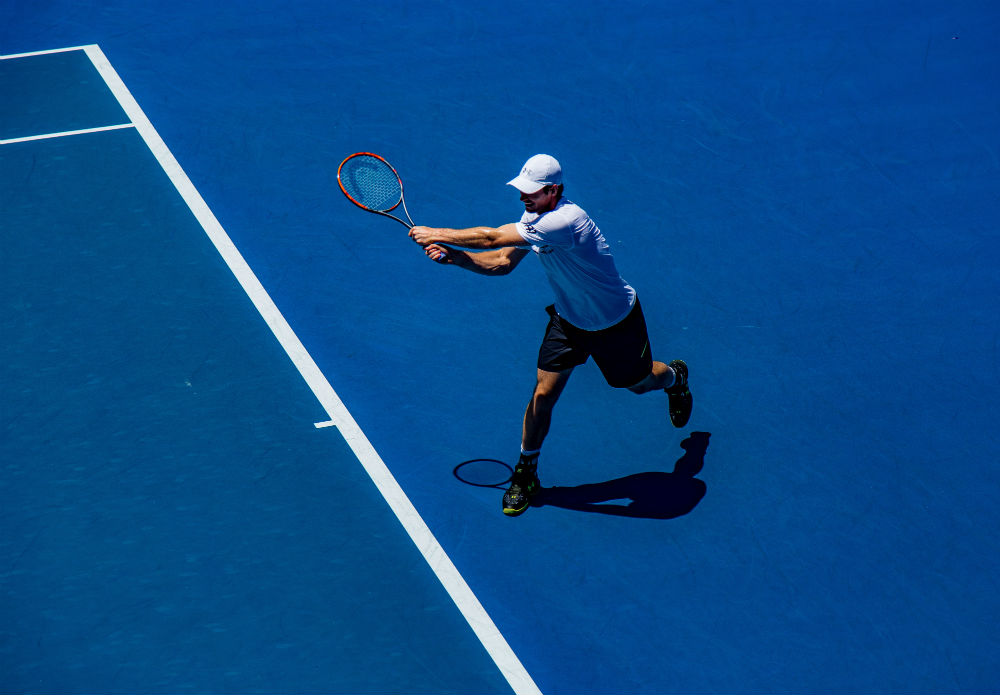 Practica tenis en las Islas Baleares
