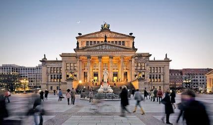 Mejores barrios donde dormir en Berlín - Friedrichstrasse & Gendarmenmarkt