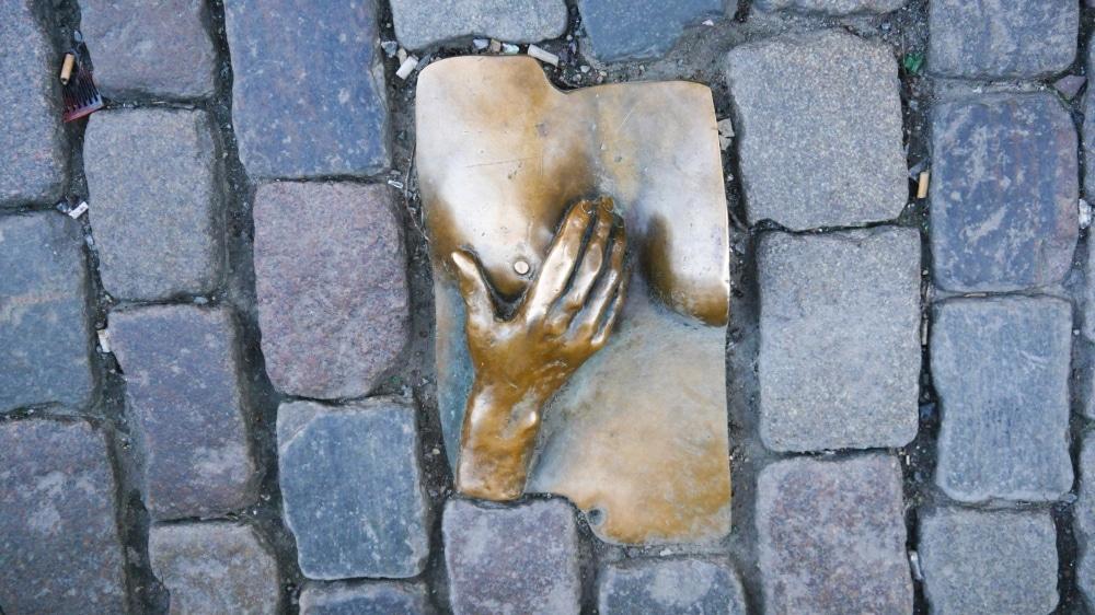 Estatua de bronce en honor a la prostitución - Barrio Rojo de Ámsterdam