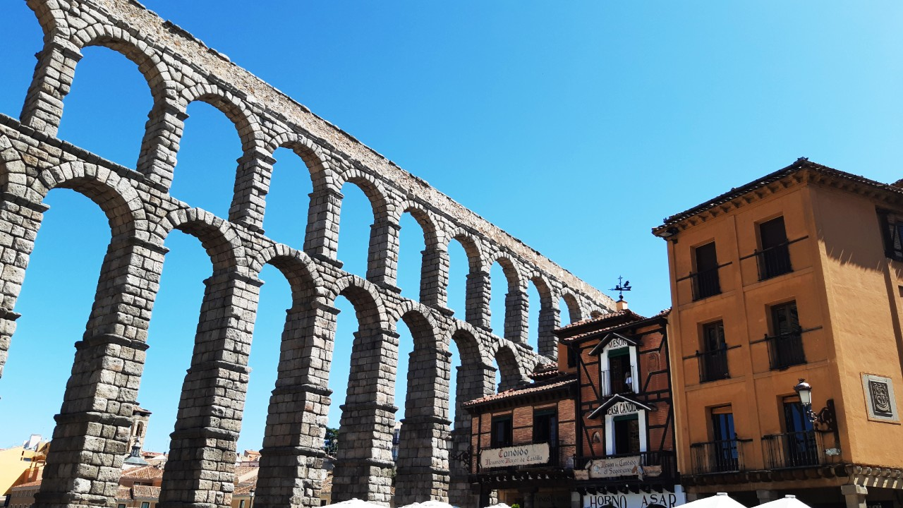 Best neighbourhoods to stay in Segovia - Near the Aqueduct and San Millán