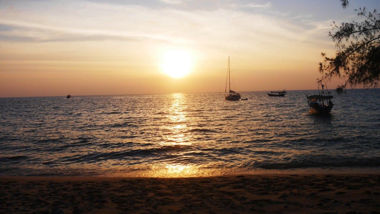 Moverse por Camboya en barco