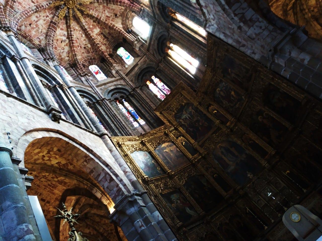 Interior de la catedral de Ávila - Mejores cosas qué ver en Ávila