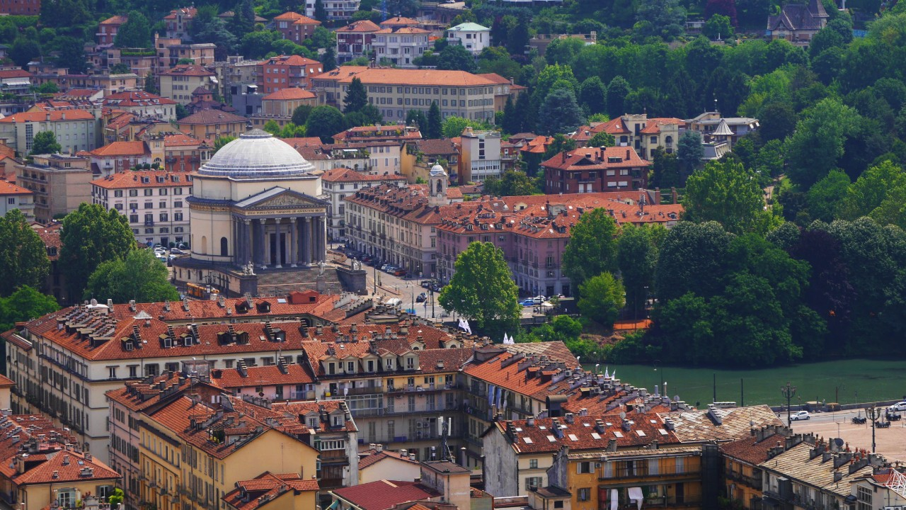 Best neighbourhoods to stay in Turin - Borgo Po