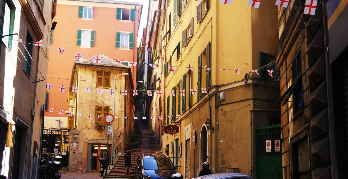 Best neighbourhoods to stay in Genoa, Italy - Old Town