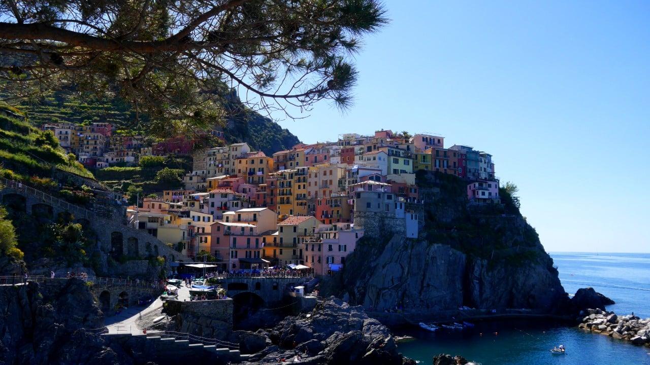 Manarola - Best areas to stay in Cinque Terre