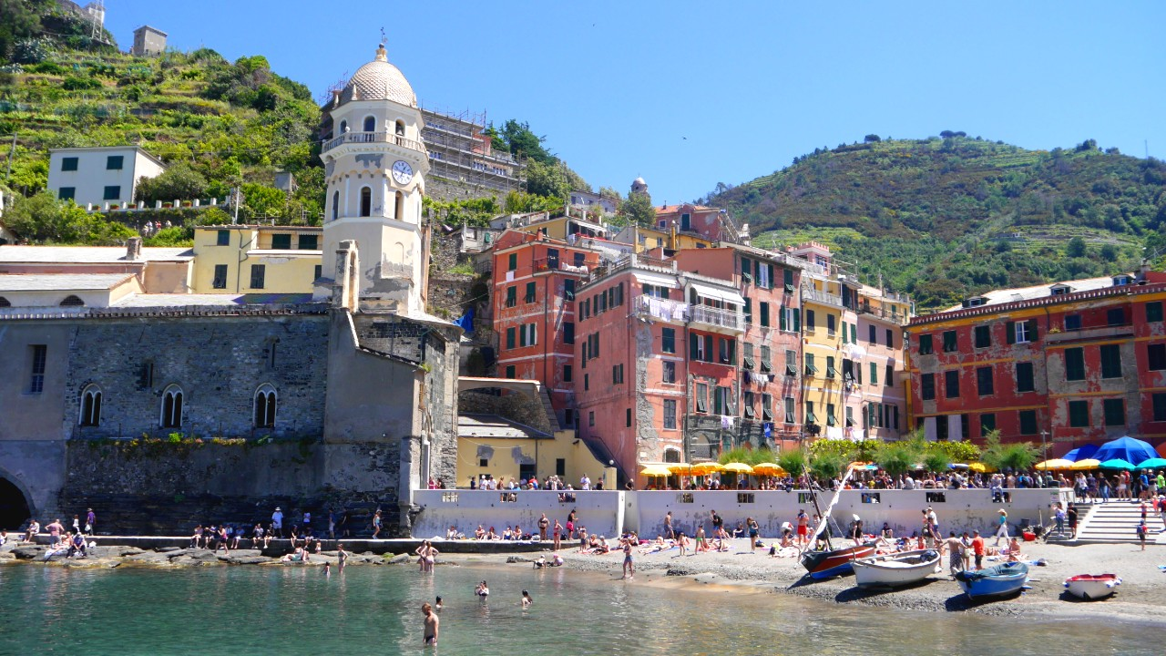 Vernazza - Best areas to stay in Cinque Terre