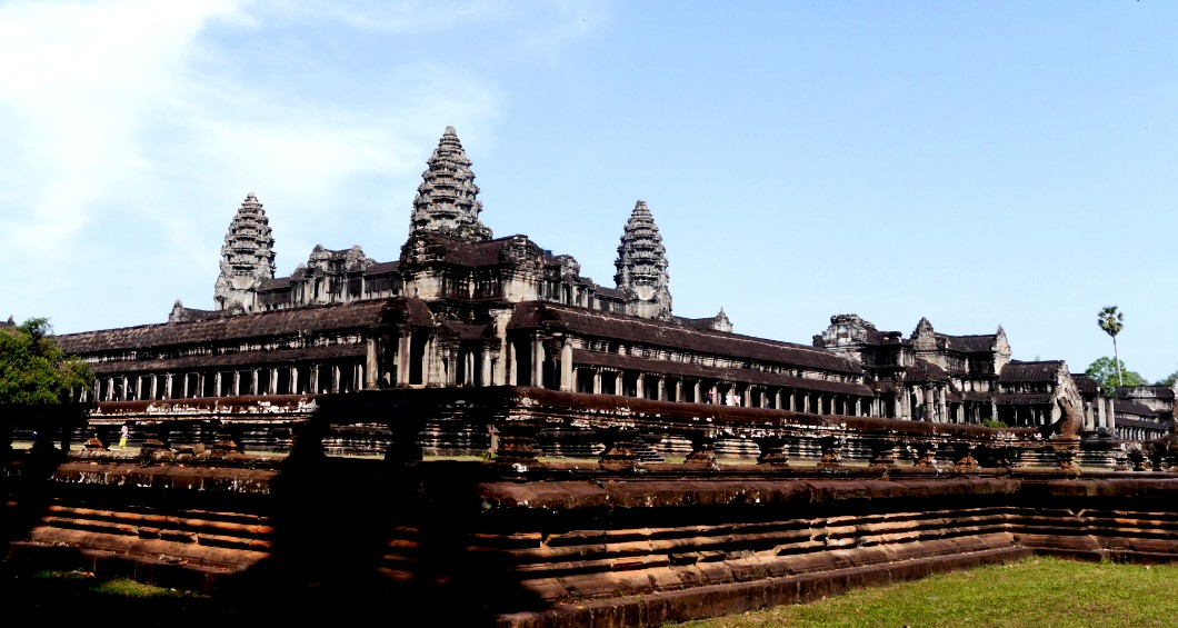 Best area to stay in Siem Reap to visit Angkor Wat - Charles de Gaulle