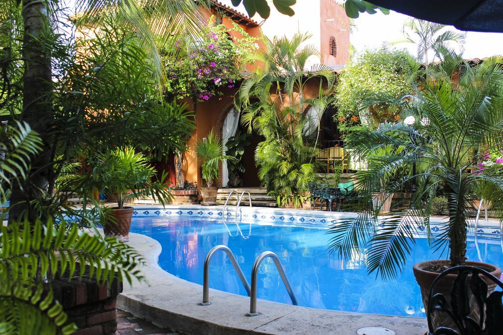 Mejores hoteles en Puerto Escondido, Puerto Mexico - Suites La Hacienda