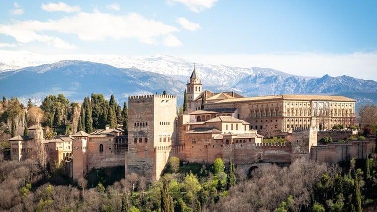 5 barrios para no perderse en Granada