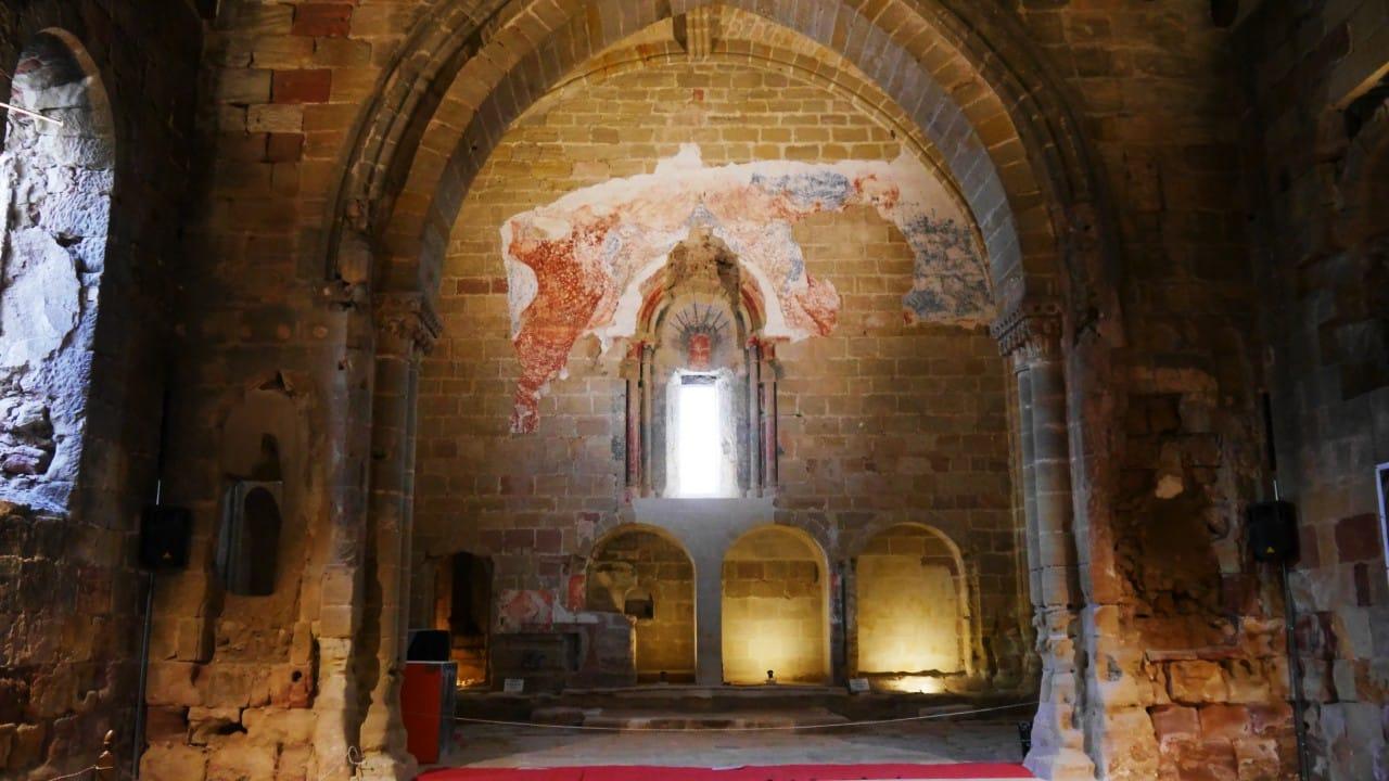 Qué hacer en Sigüenza - Interior de la iglesia de Santiago