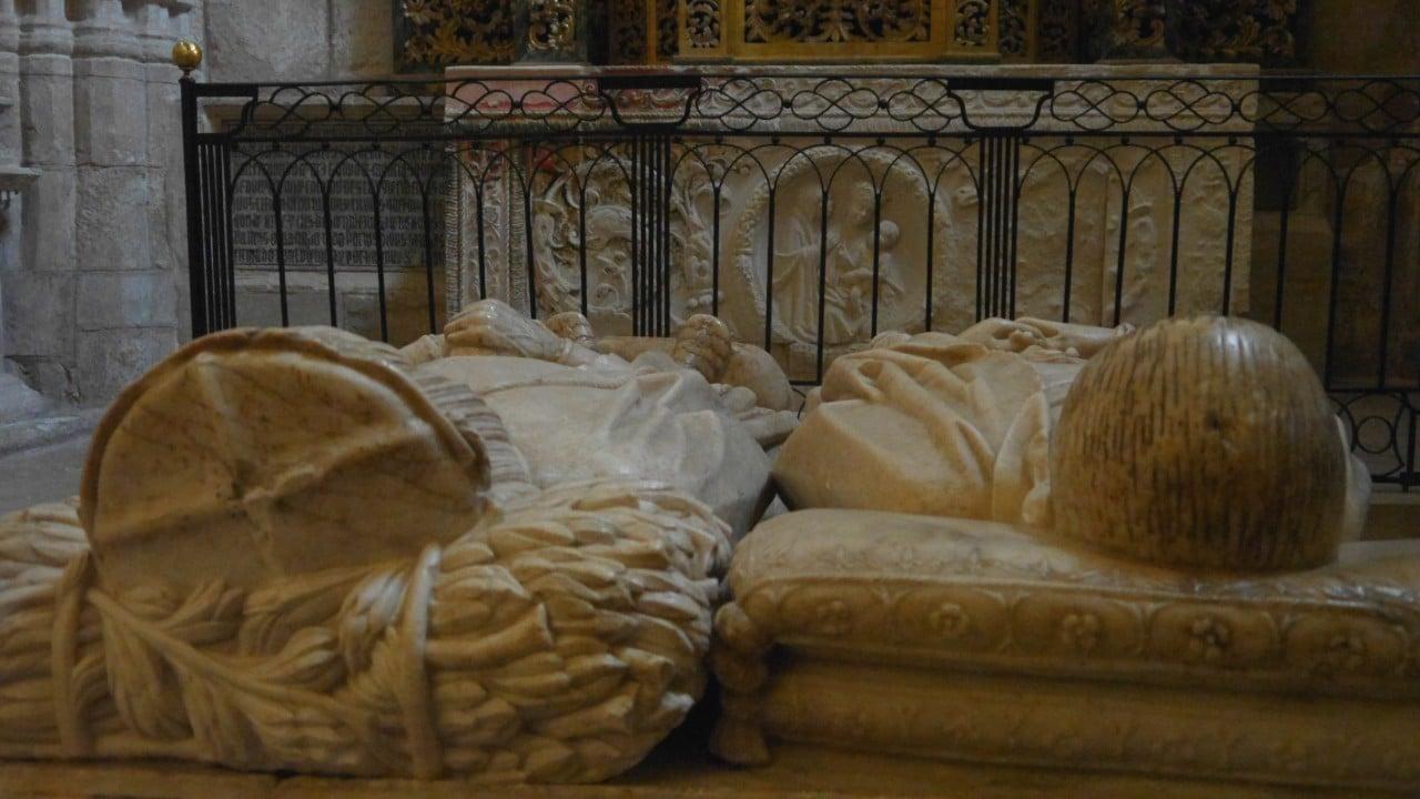 Sepulcro de los padres del doncel en la catedral de Sigüenza