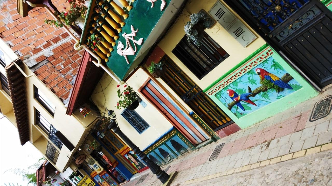 Experiencias imperdibles en Medellín - Visitar Guatapé