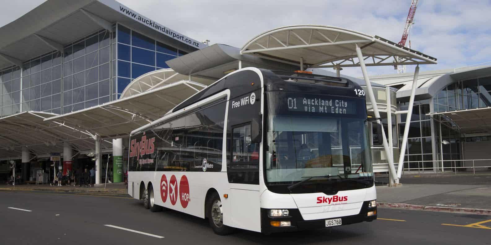 Llegar del aeropuerto de auckland al CBD con transporte público - Skybus