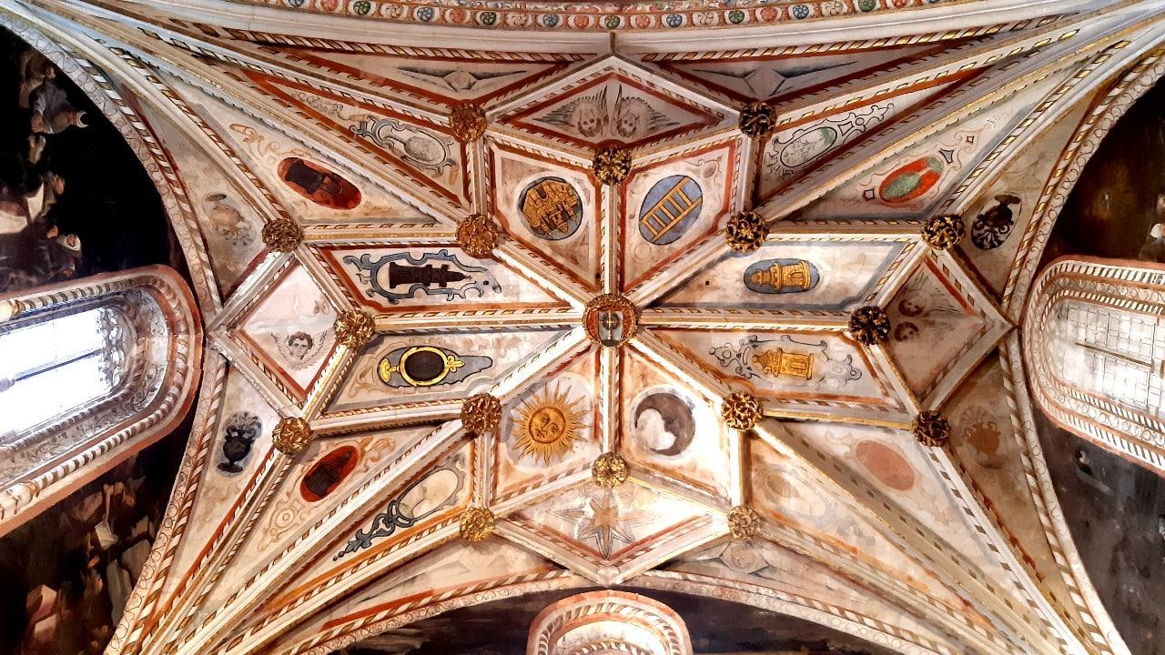 Techo de la catedral de Segovia en el que se aprecian las bóvedas de crucería