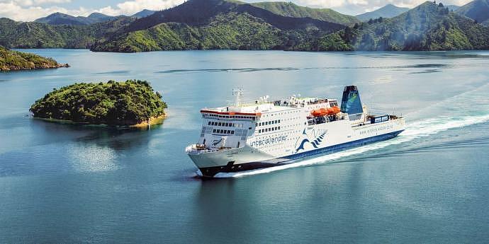 Viajar entre la Isla Norte y la Isla sur de Nueva Zelanda en ferry
