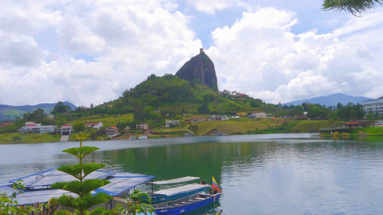 Visitar el Peñol de Guatapé