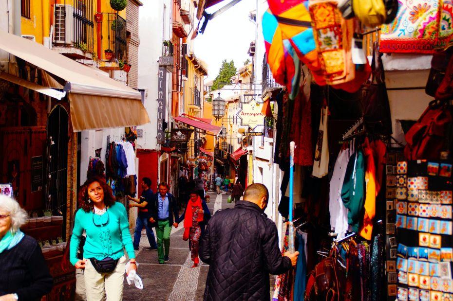 La Alcaicería es otra de las atracciones importantes de Granada