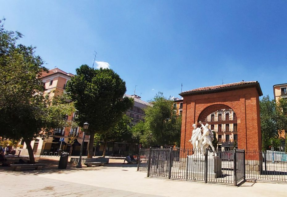 La plaza del Dos de Mayo es uno de los lugares más emblemáticos de Malasaña